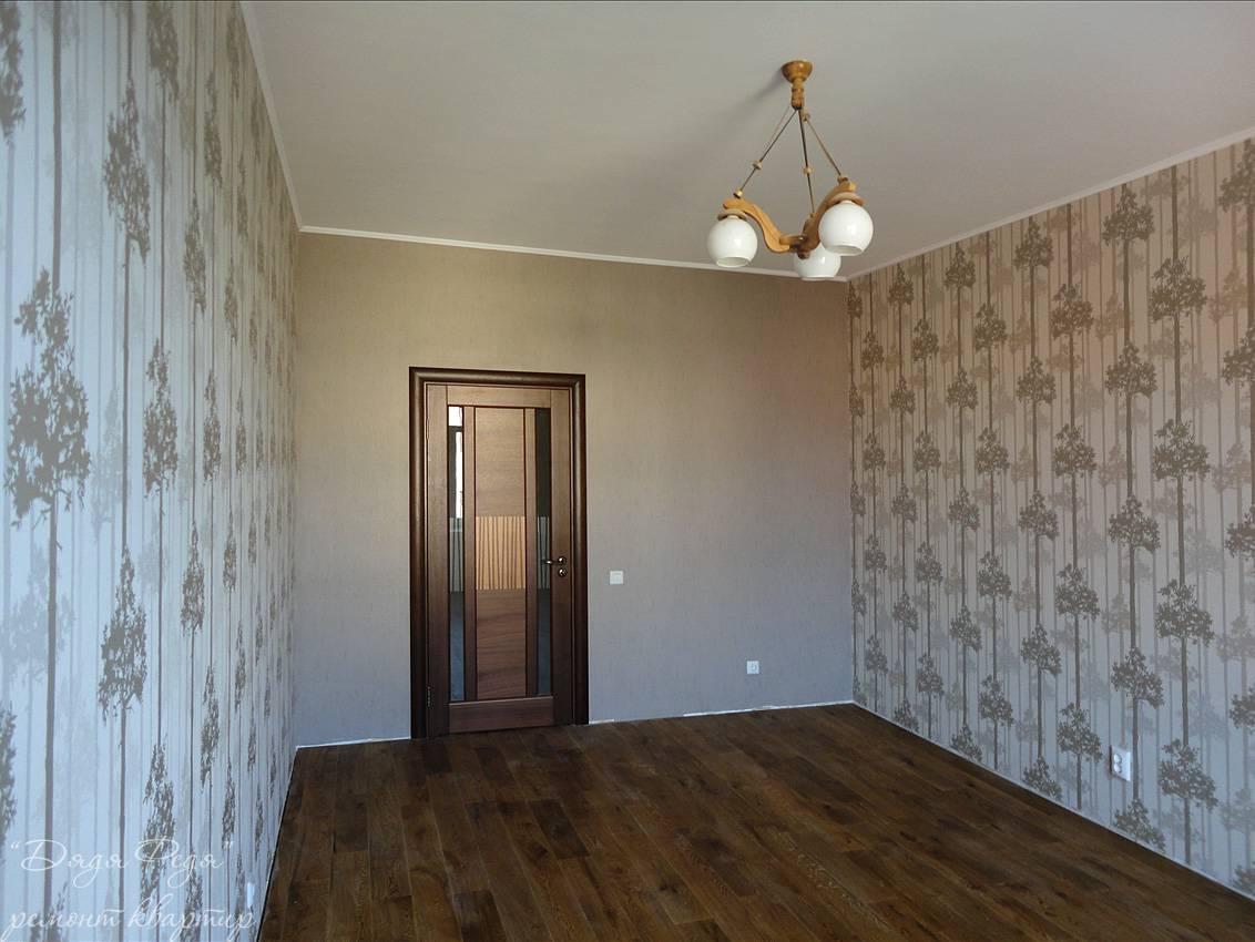 Фото комнат с комбинированными обоями