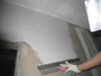 Шпатлевка стен в квартире